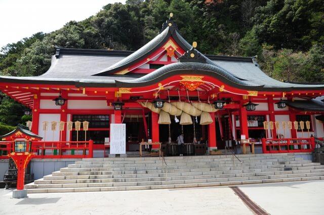 島根県の太皷谷稲成神社
