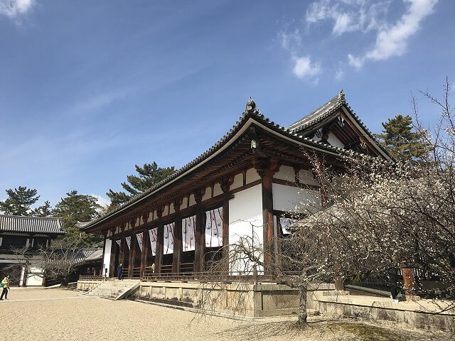法隆寺の大講堂