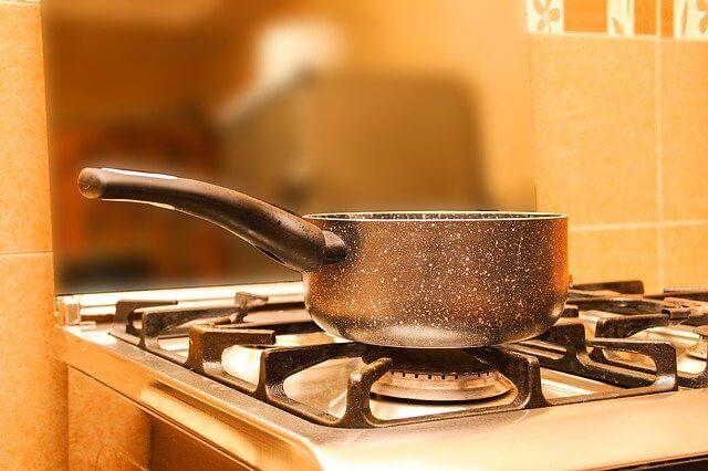 お湯を沸かしているところ